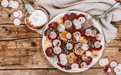 Recept: Gepofte bietencarpaccio met mierikswortel